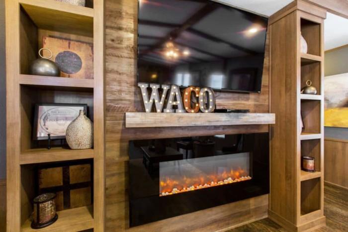 Shult The Waco6 700x466